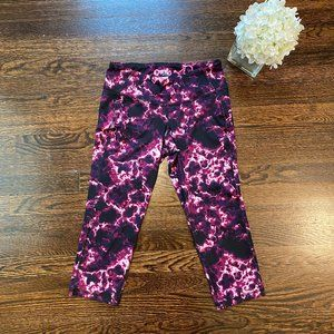 Old Navy Go Dry Pink Marble Compression Capri | M